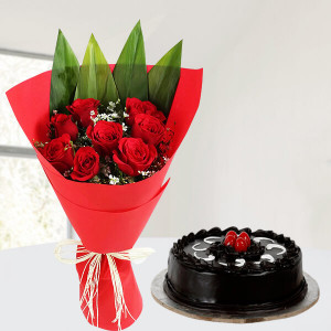 Stunning Red Roses With Cake